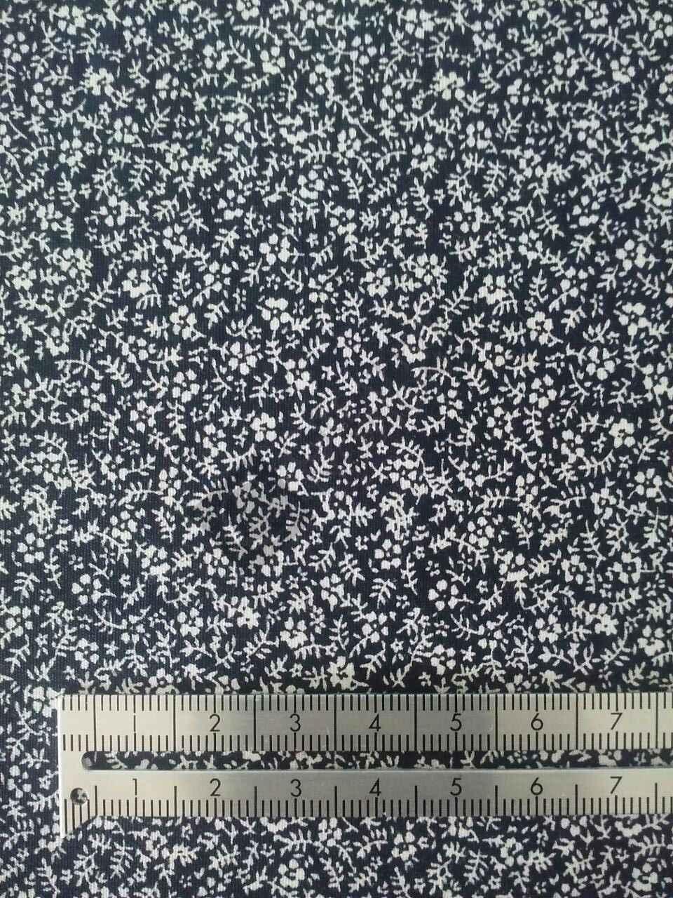 Black & White Small Flower 569-14